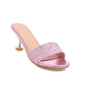BRAND NEW Women's Pink Sandals Size 4-4 1/2
